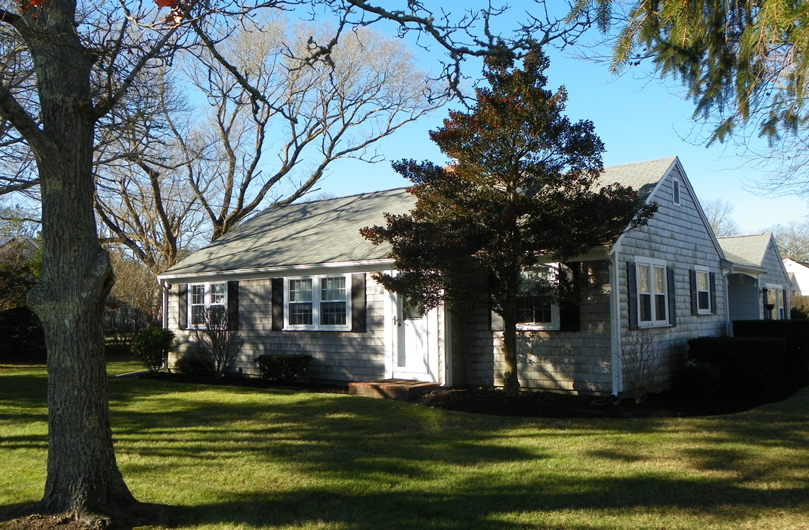 Cape Cod Summer Rental at 185 Trotting Park Road, West Dennis, MA 02660