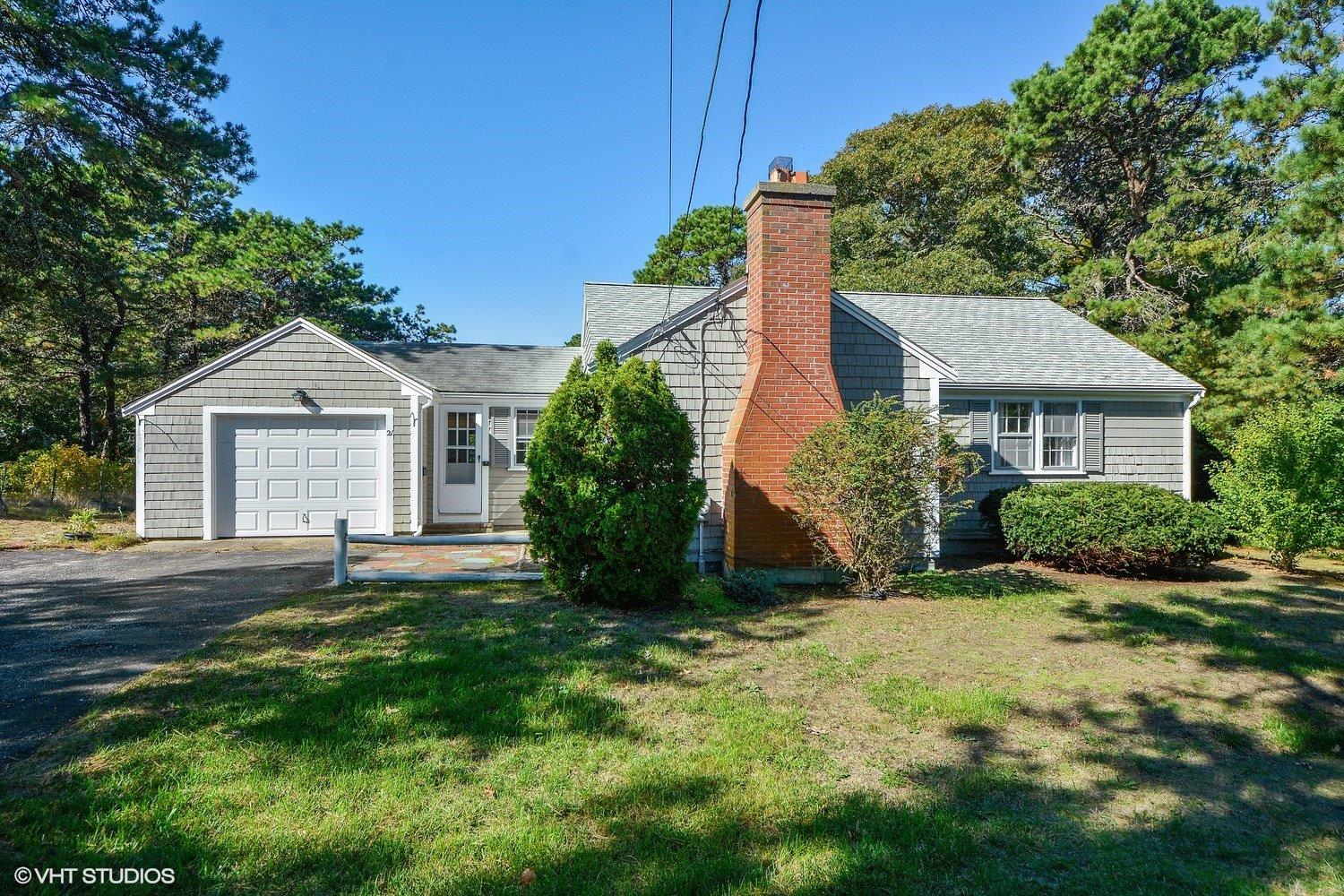 21 Woodside Park Road, West Dennis, MA 02670 for sale by Cranberry Real Estate 508-394-1700