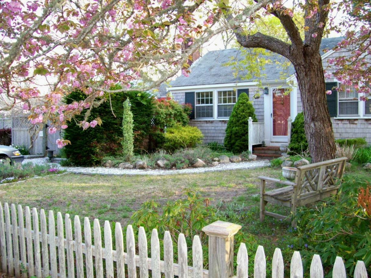 27 Terry Road, West Dennis, MA 02670 for sale by Cranberry Real Estate 508-394-1700