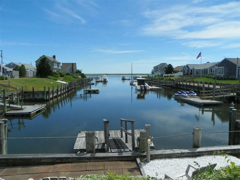 54 Surfside Road, West Dennis, MA for sale by Cranberry Real Estate 508-394-1700