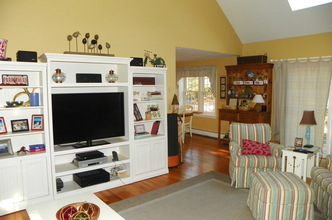 66 Kelleys Pond Road, West Dennis, MA 02670