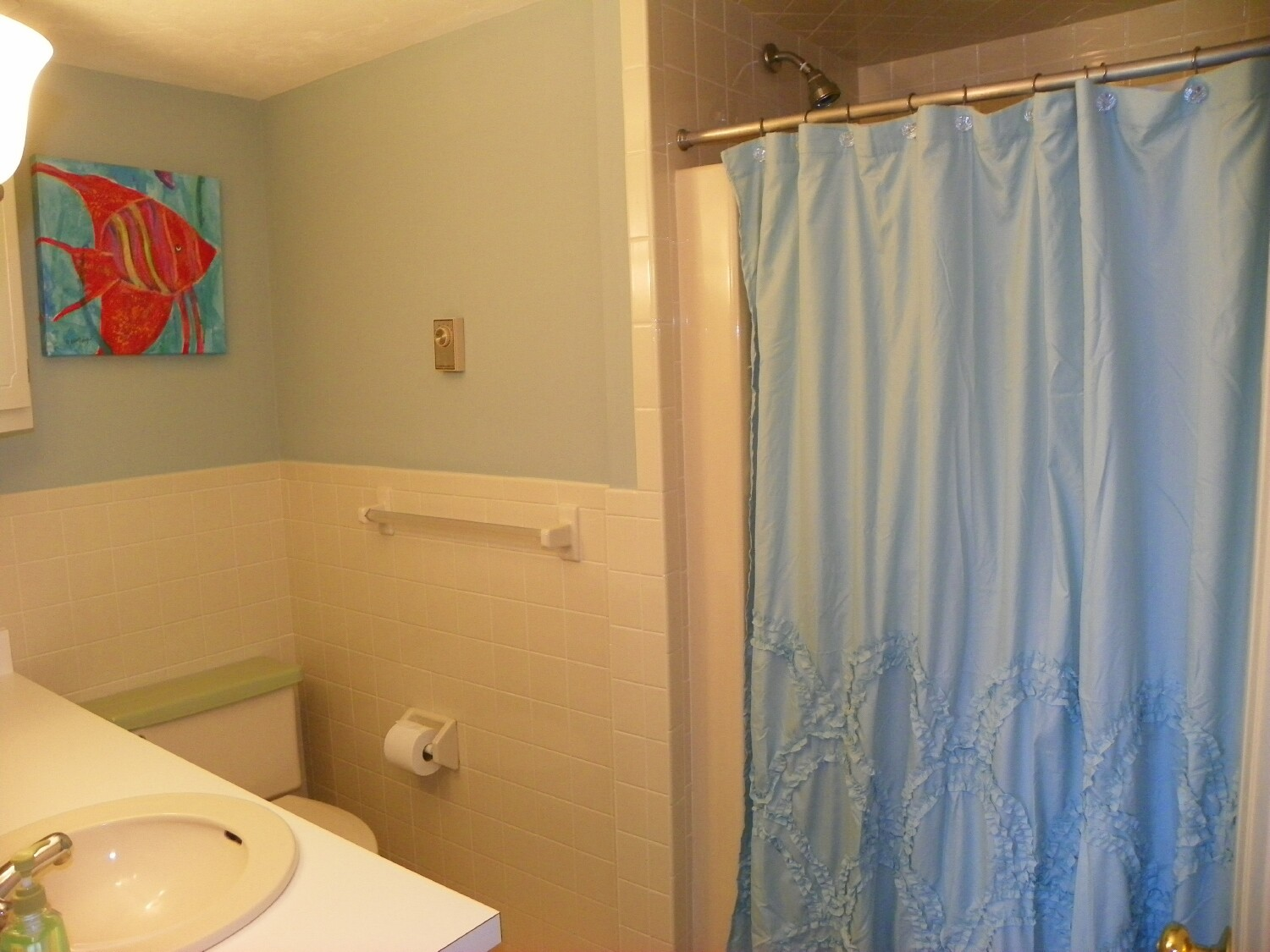 Master Bath at 6 Captain Keavy Way, West Dennis, MA for sale by Cranberry Real Estate 508-394-1700