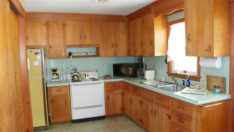 Kitchen at 6 Old Field Road, West Dennis, MA for sale by Cranberry Real Estate 508-394-1700