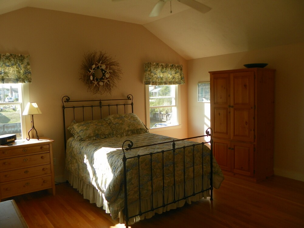 Master Bedroom at 7 Port Way, West Dennis, MA for sale by Cranberry Real Estate 508-394-1700